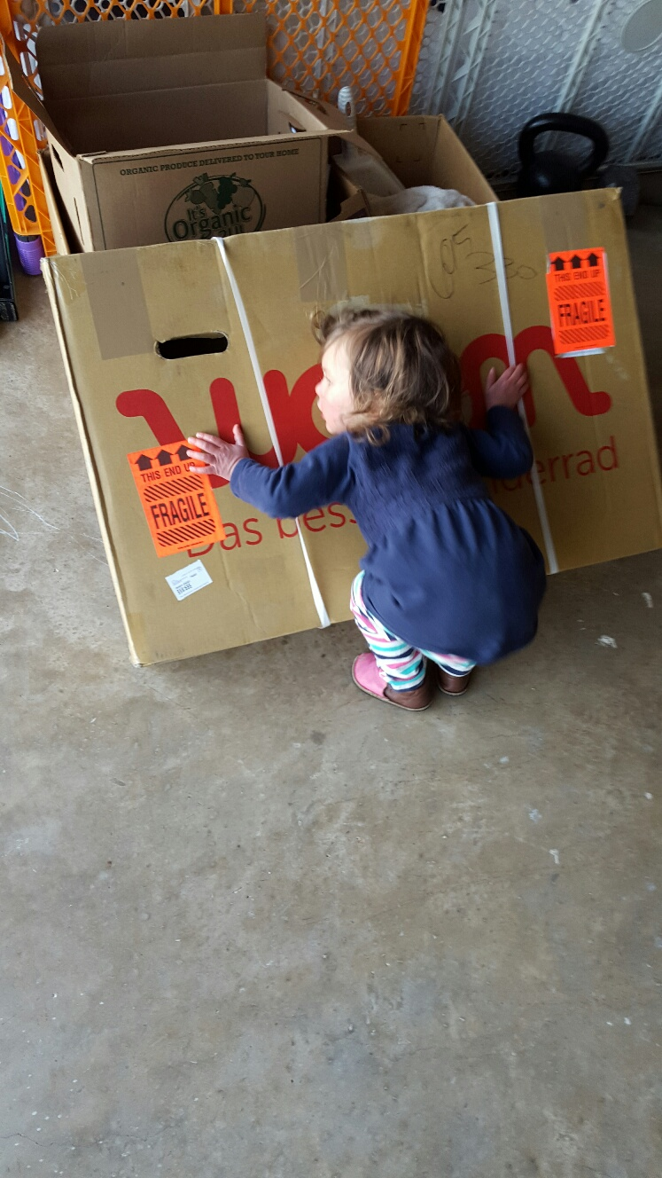 Hugging WOOM 1 Balance Bike Box