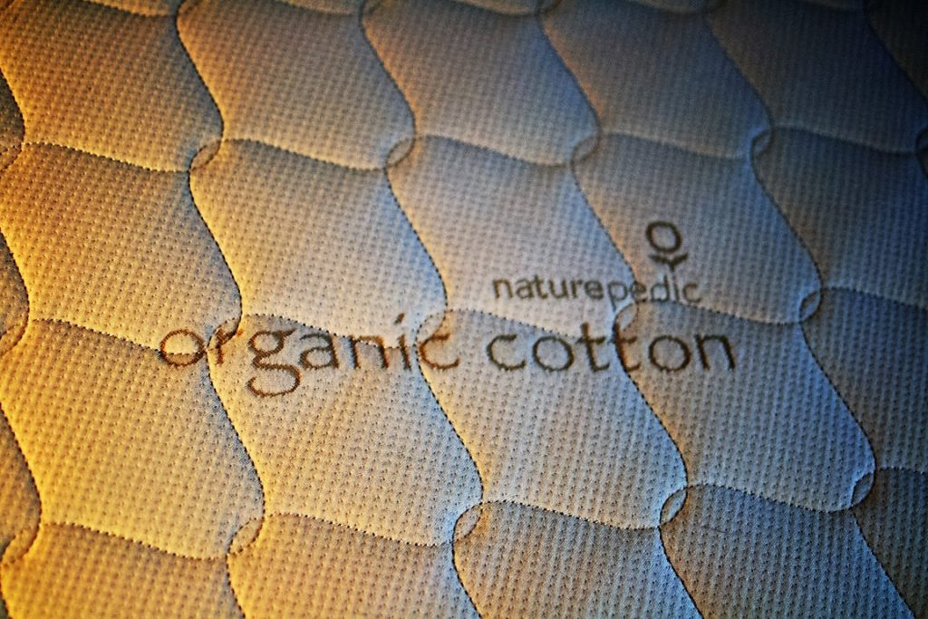 naturepedic organic 2 in 1 toddler mattress, quilted