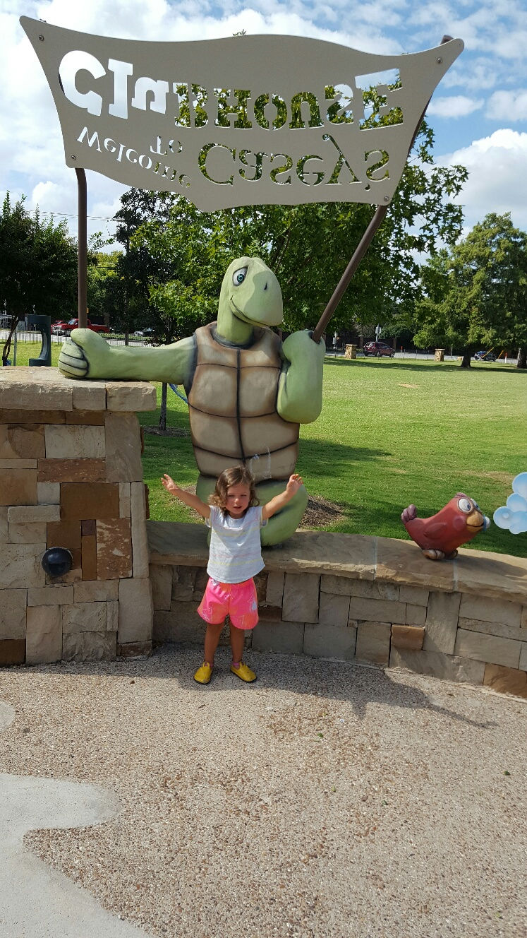 posing-with-turtle-at-caseys-clubhouse-in-grapevine